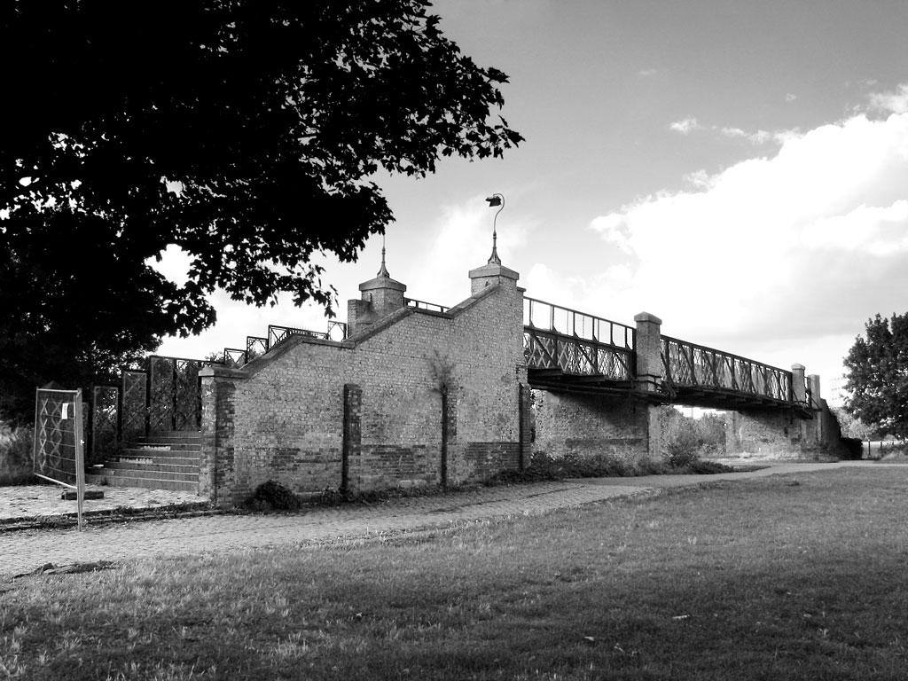 Burgess Park Bridge